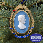 Abraham-Lincoln-Cameo-Ornament-2013
