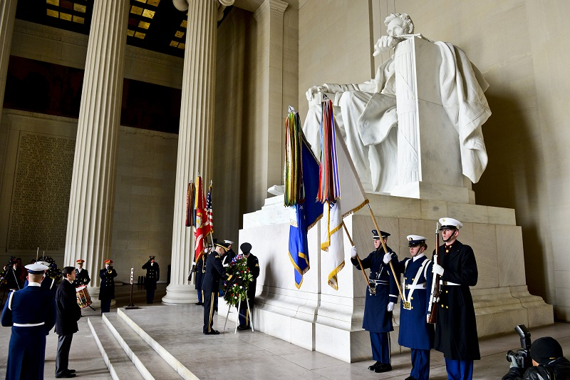 Lincoln Memorial Wreath Laying